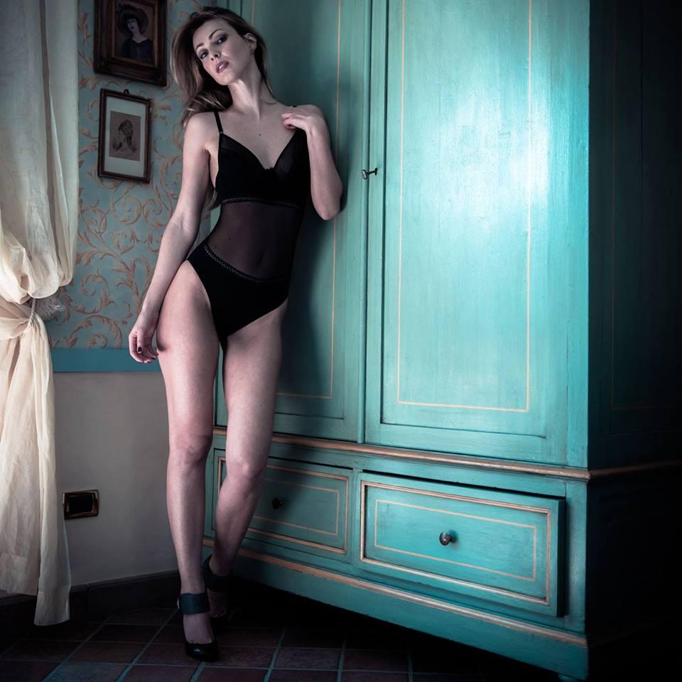 Inessa underwear closet
