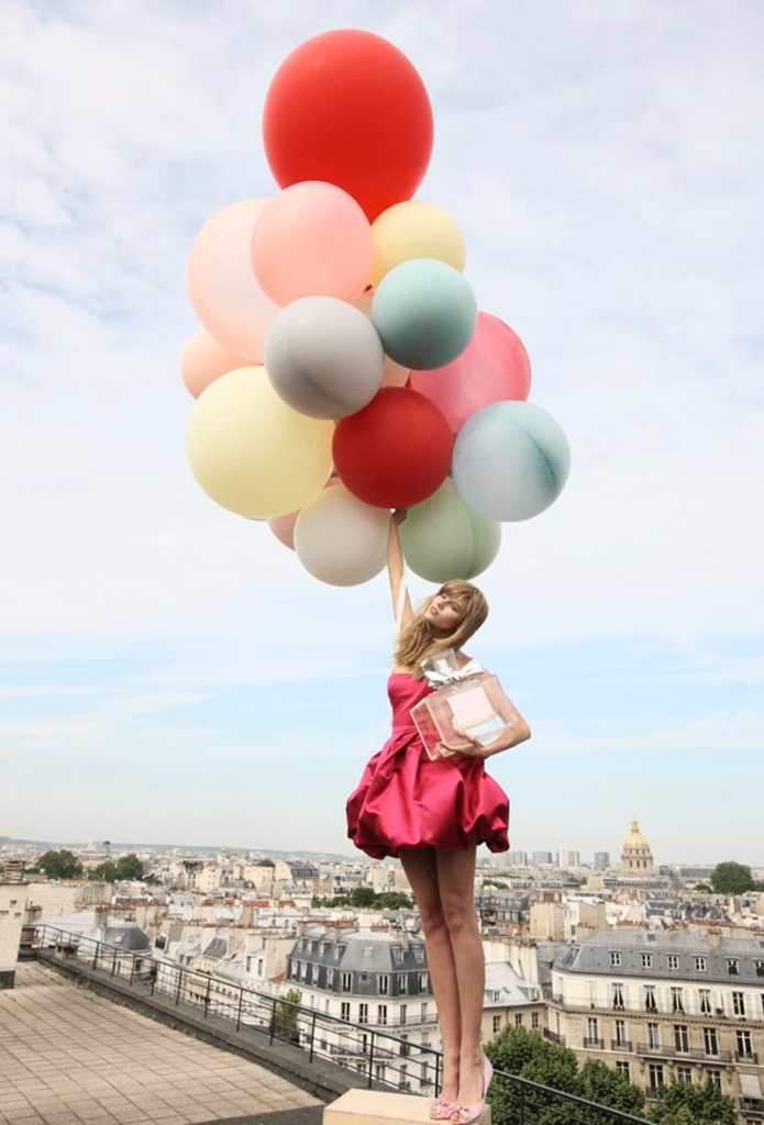 baloonsmiss-dior-cherie-balloons in red dress