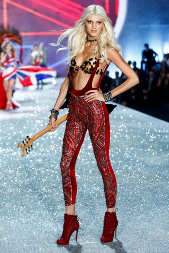 devon-show-runway-2013-11-british-invasion-devon-victorias-secret