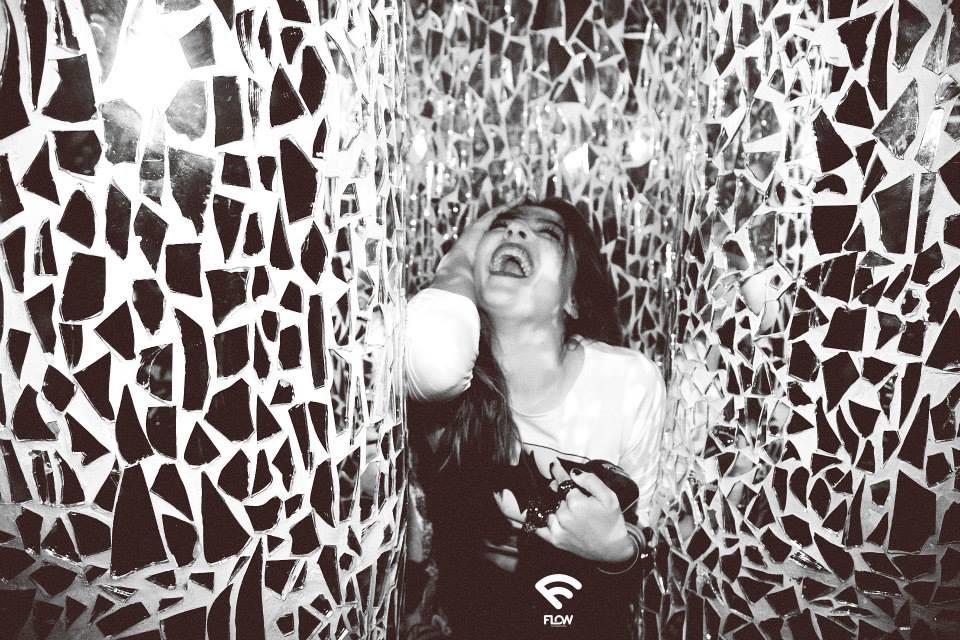 flow scream girl in the maze by anna qzzolin