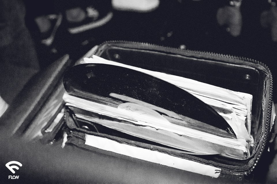 flow vinyls disks in a bag by anna qzzolin