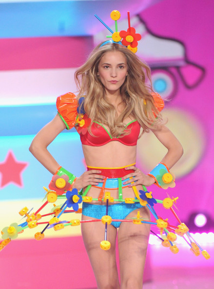 Maud+Welzen+2012+Victoria+Secret+Fashion+Show