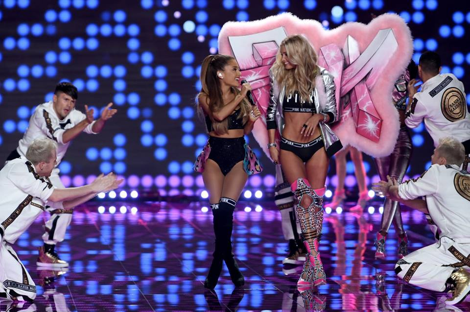 arianna grande and elsa host for pink at vs 2014 london show