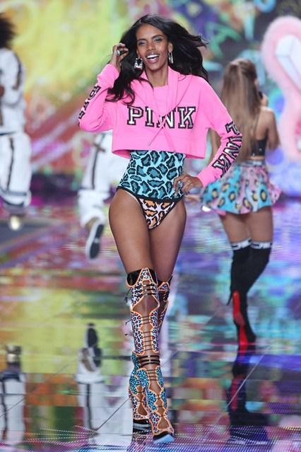 grace mahary canadian model for victoria secret 2014 london show