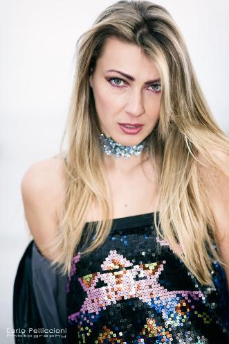 inessa vinessa blonde girl mermaid blogger