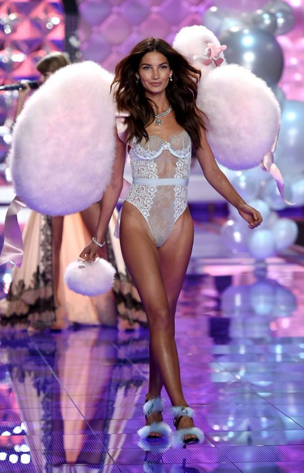 lily aldridge dream girl for vs 2014 london show
