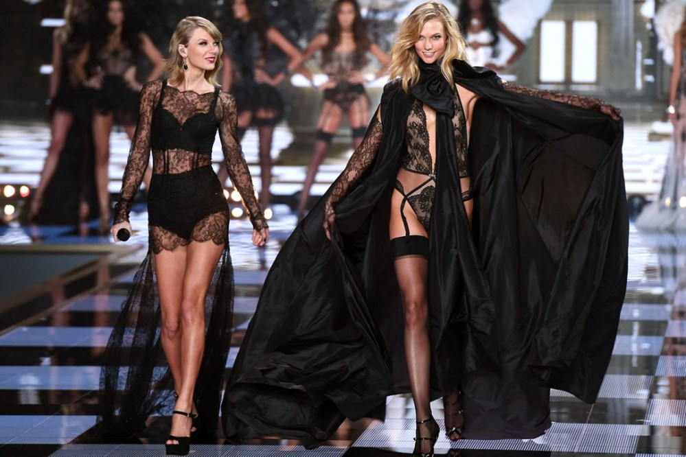 victoriasecret 2014 london best friends karlie kloss and taylor swift
