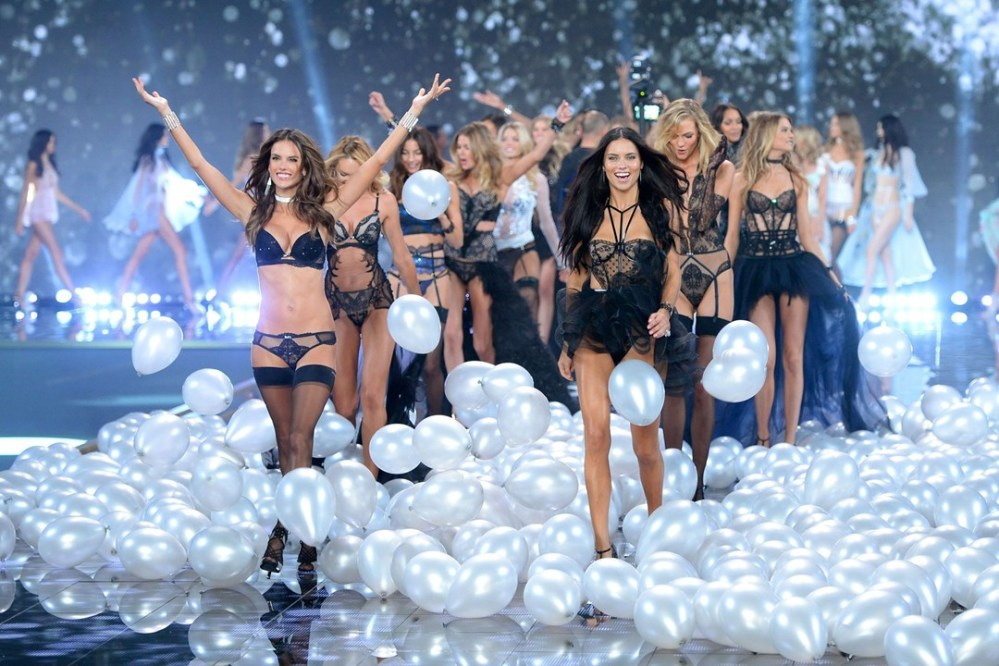 vs-catwalk-2014 london show finale