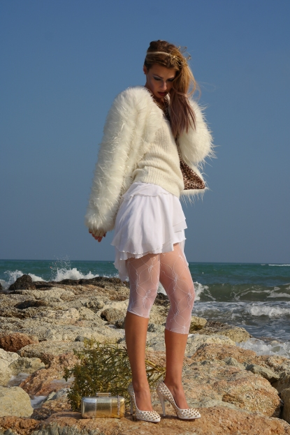 all feminine white look on blog